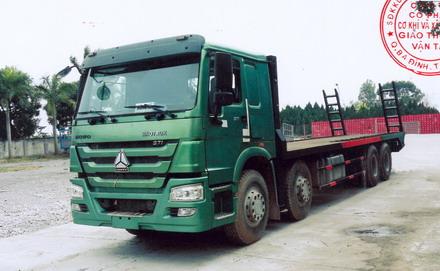 xe-nang-dau-cho-may-cong-trinh-howo-375