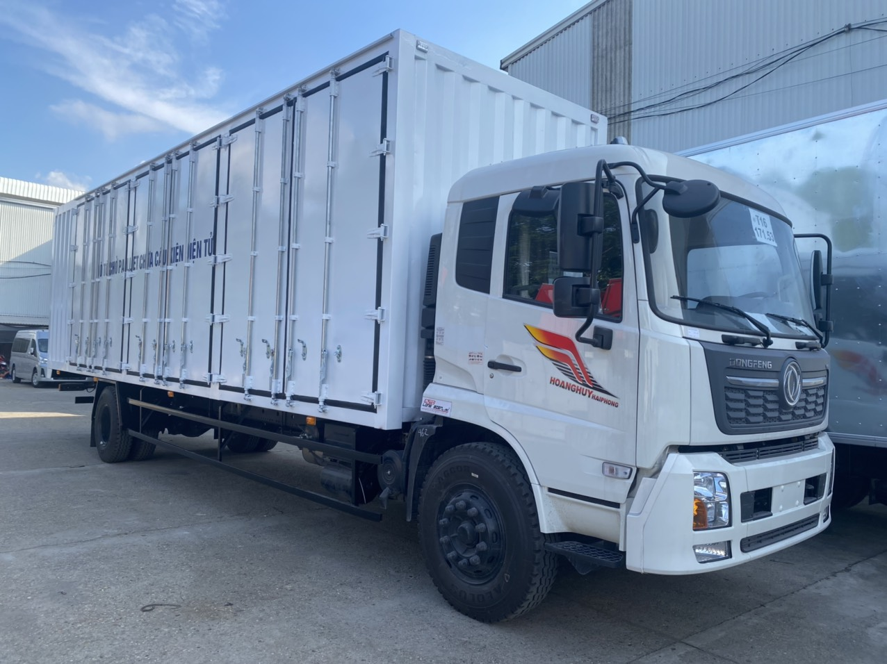 xe-tai-dongfeng-thung-container